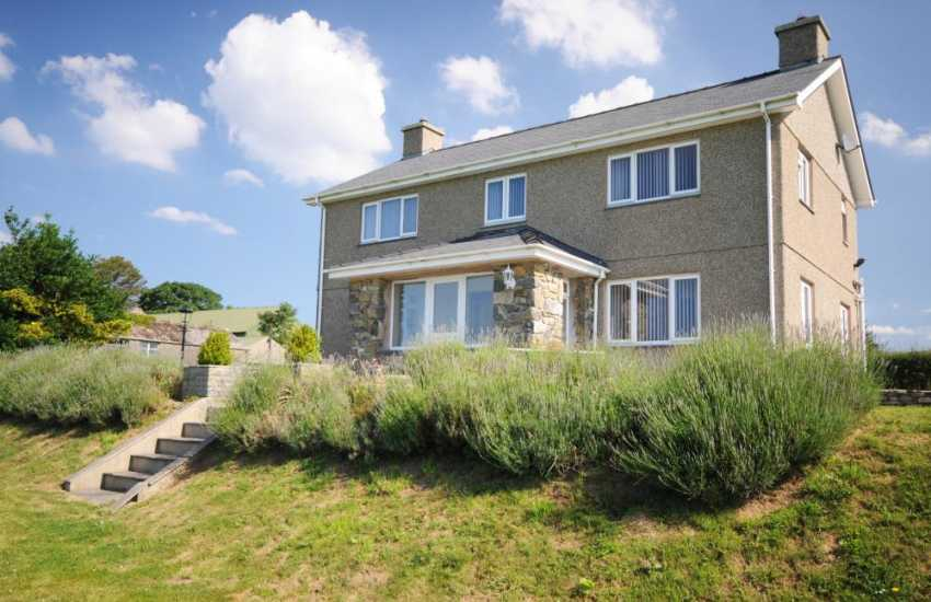 Large house for rent Pwllheli - exterior
