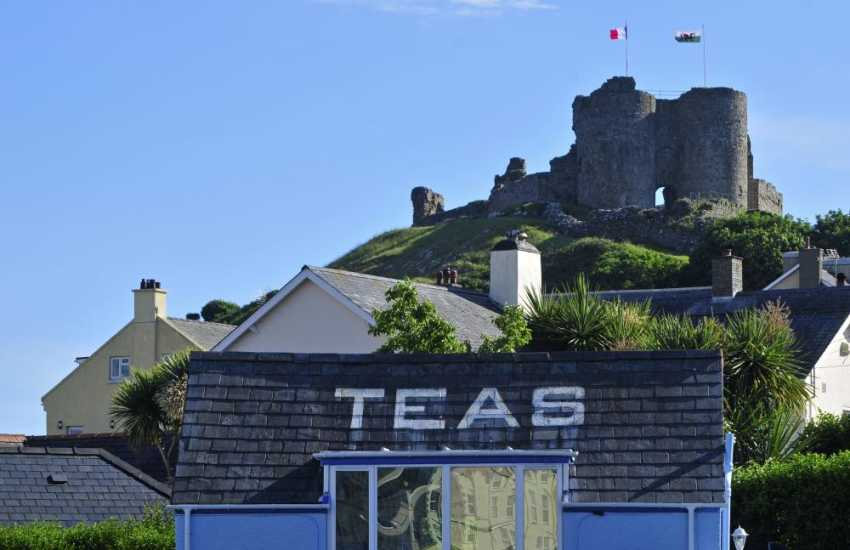 Criccieth beachside tearoom close to the castle