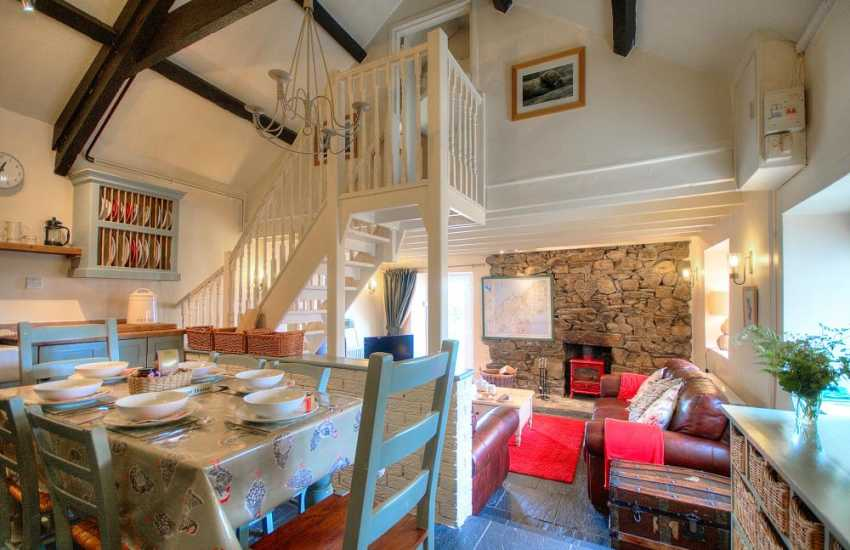 Pet friendly Llyn peninsula holiday cottage - dining