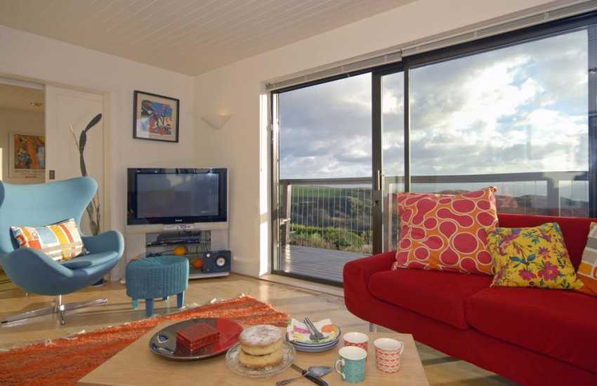 Relax and enjoy family gatherings in this vibrant Solva holiday home