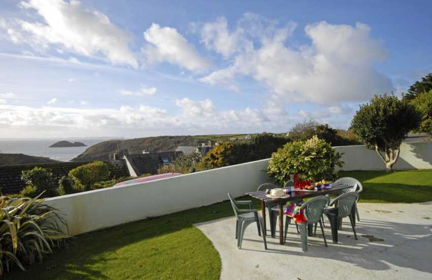 Upper Solva holiday home with views over the sea and Pembrokeshire Coast Path