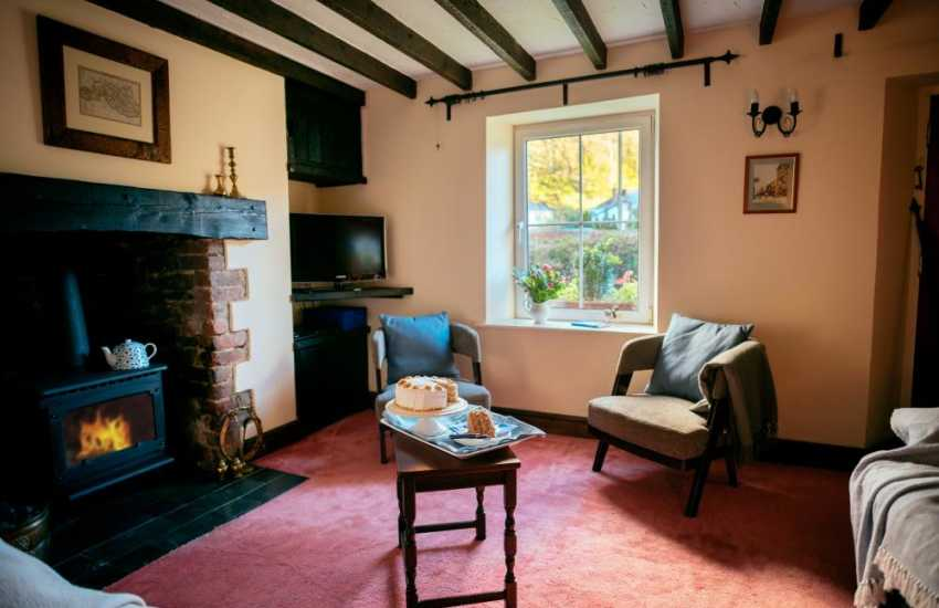 Parkmill village cottage holiday-lounge with oil fired log burner