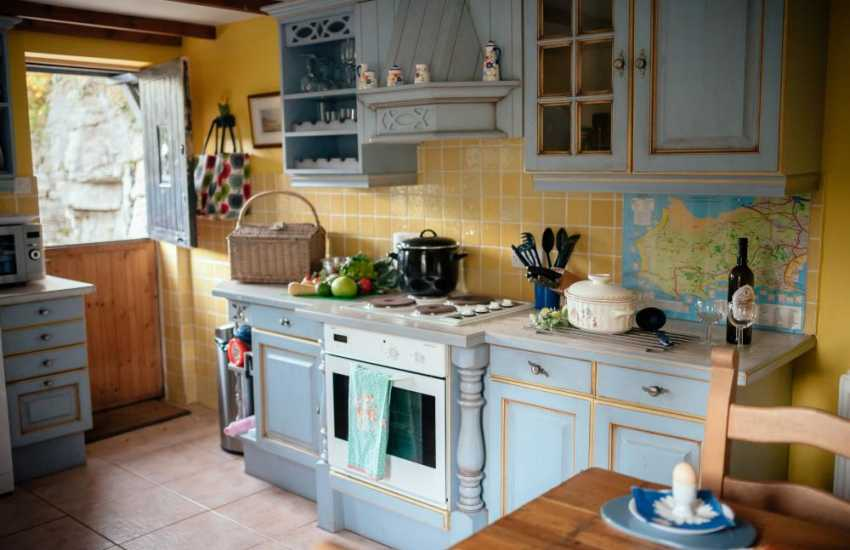 Oxwich Bay close by cottage holiday in the village of Parkmill-kitchen