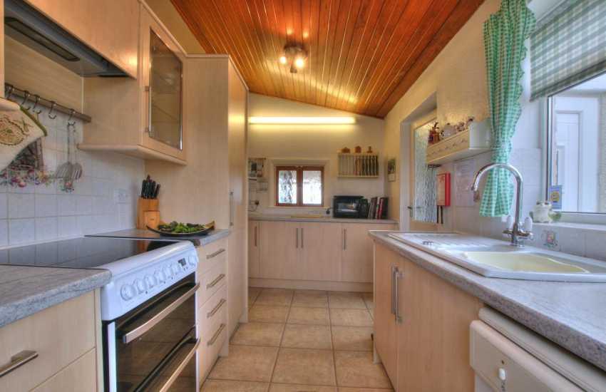 Pet friendly coastal cottage Wales - kitchen