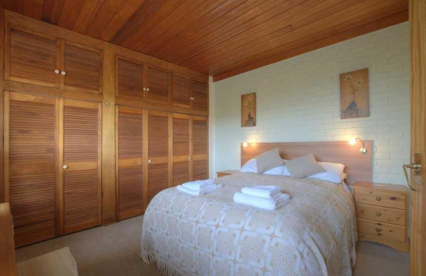 Llandudno holiday cottage - bedroom