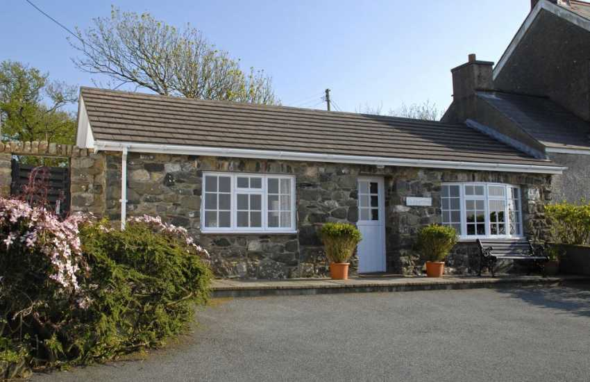 Cottage Pembrokeshire near Trefin
