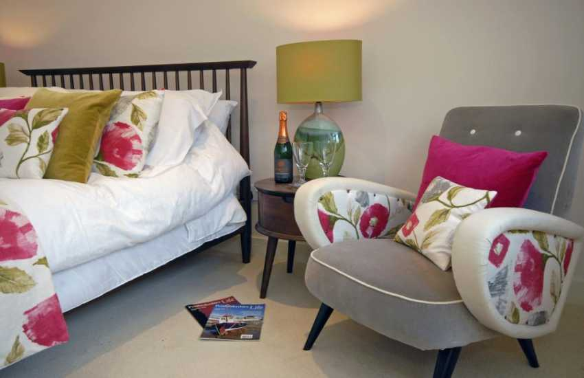 Little Haven holiday home with luxury soft furnishings