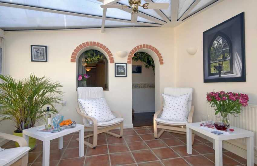 Pembrokeshire holiday home with sunroom/conservatory
