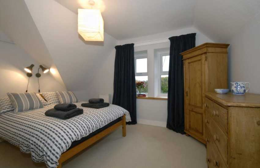 Marloes Sands holiday house - master double