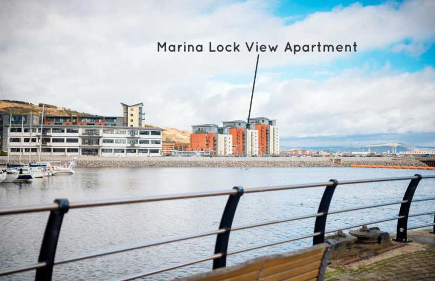 Swansea luxury apartment for holidays-sleeps 4