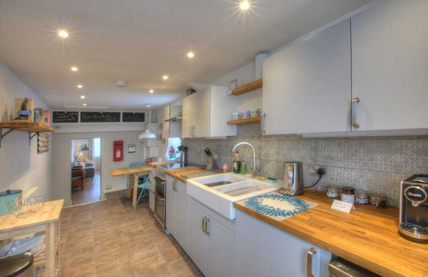 Llyn Peninsula holiday cottage for 4 kitchen