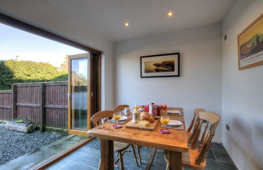Pembrokeshire cottage holiday - dining