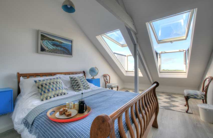 St Davids holiday house Pembrokeshire - double bedroom