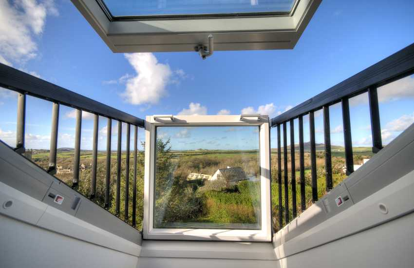 St Davids holiday house sleeps 10 - view