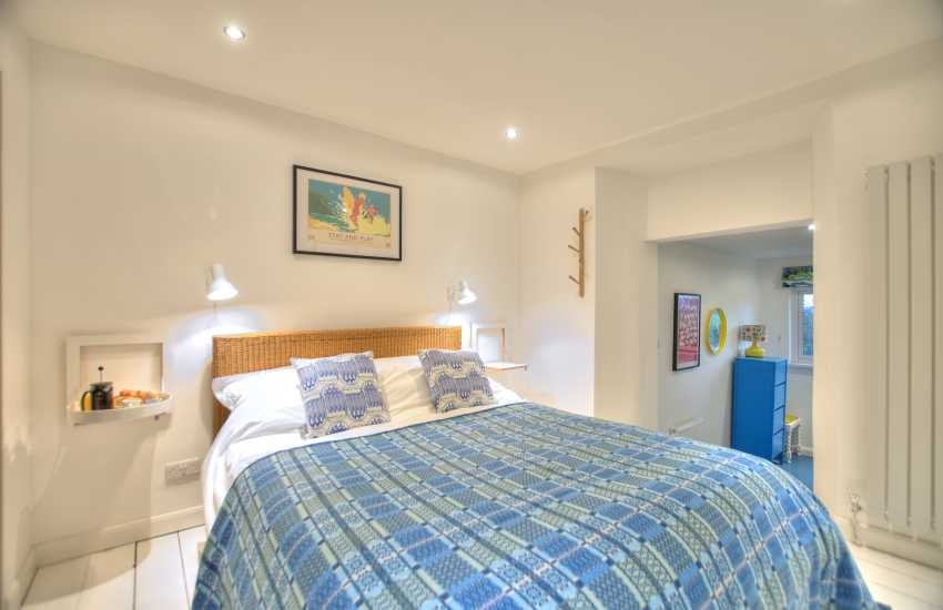 Large Pembrokeshire holiday cottage - bedroom