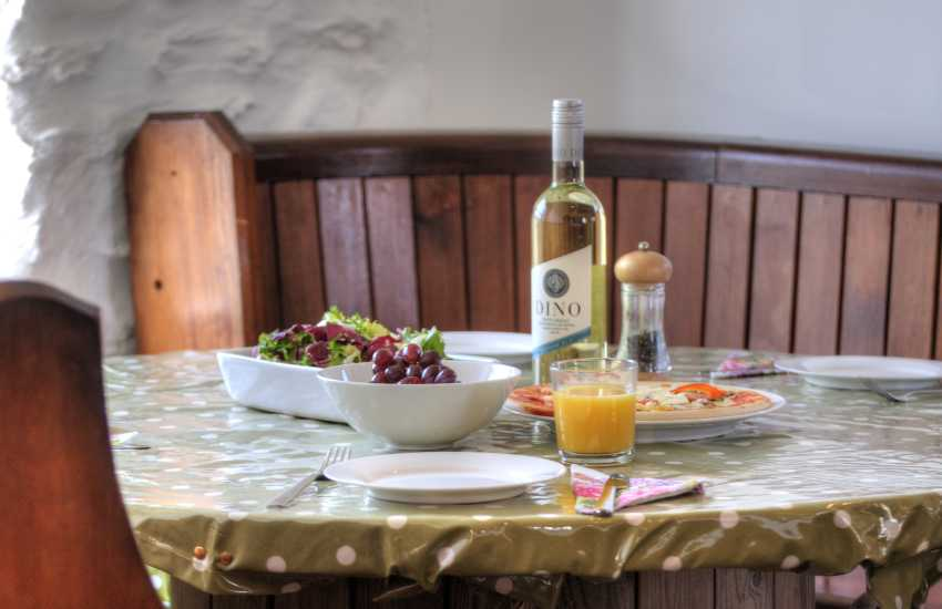 Cottage with hot tub Pembrokeshire - dining