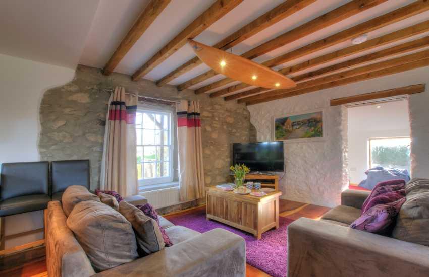 St Davids holiday cottage with hot tub - lounge