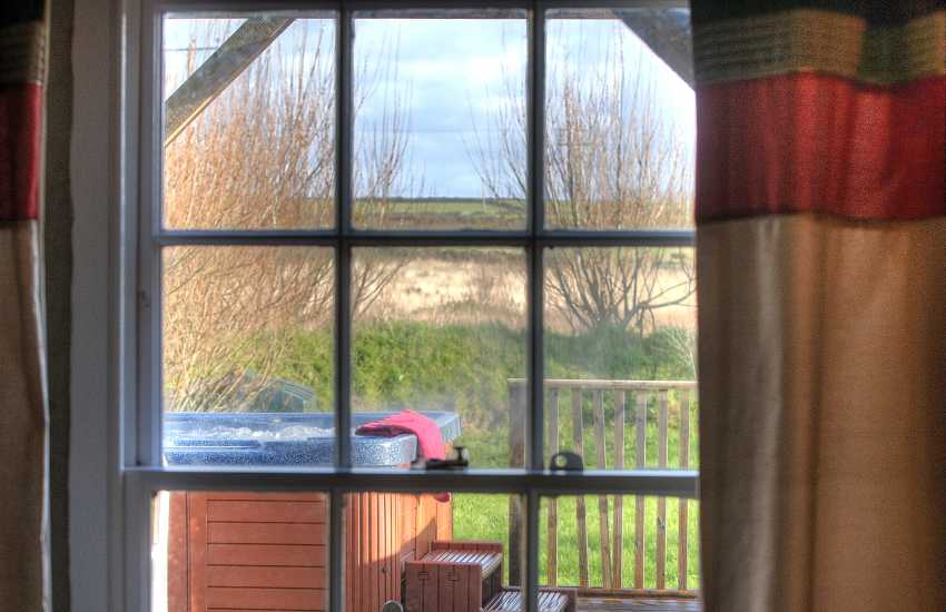 Cottage with hot tub Wales - window