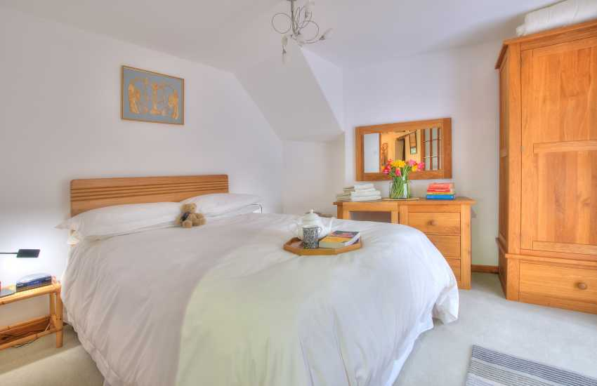 Holiday cottage Crickhowell - double bedroom