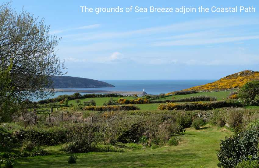 North Pembrokeshire holiday cottage with panoramic views overlooking Fishguard Bay