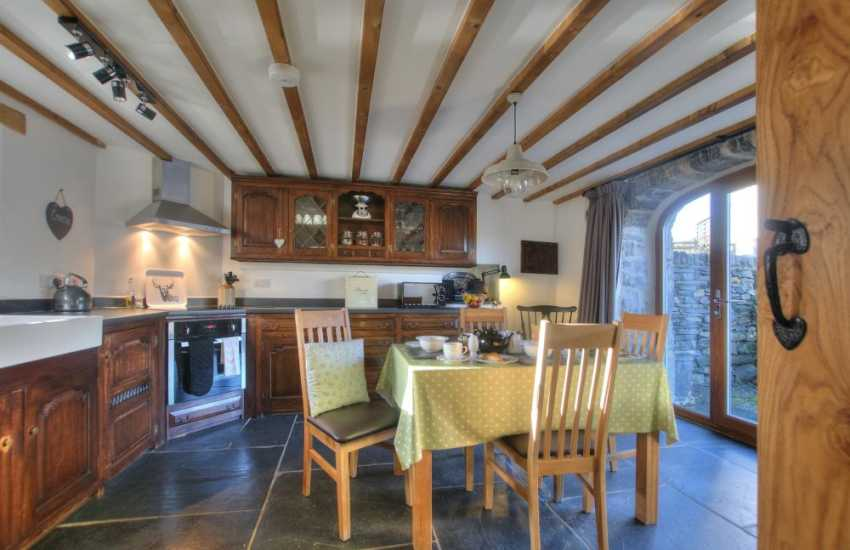 2 bedroomed holiday cottage Snowdonia - kitchen