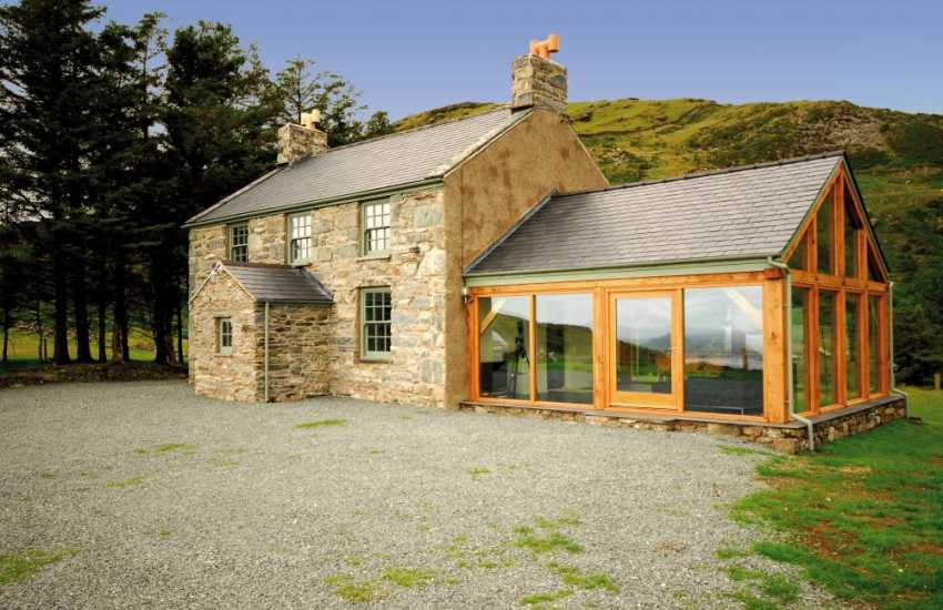 Front elevation of this holiday cottage near Harlech