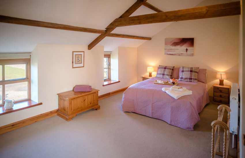 Cottage holiday on working farm - bedroom