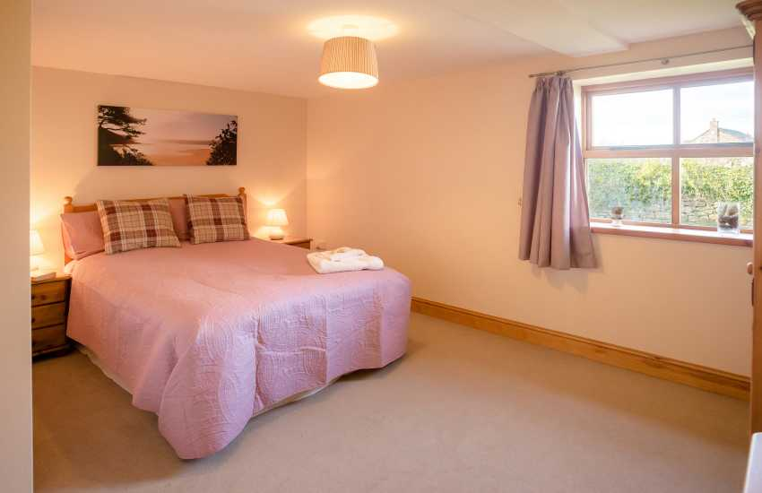 Three Cliffs Bay holiday - bedroom