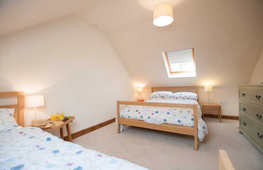 Peninsula holiday cottage sleeping 8 - bedroom