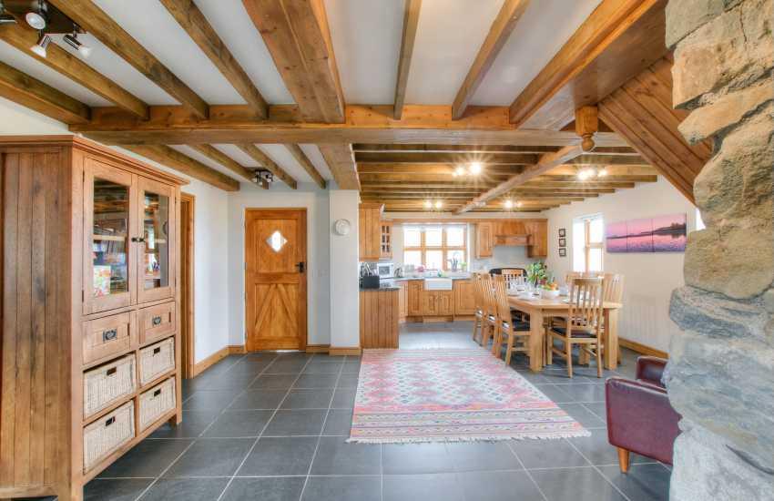 Aberdaron holiday cottage - kitchen