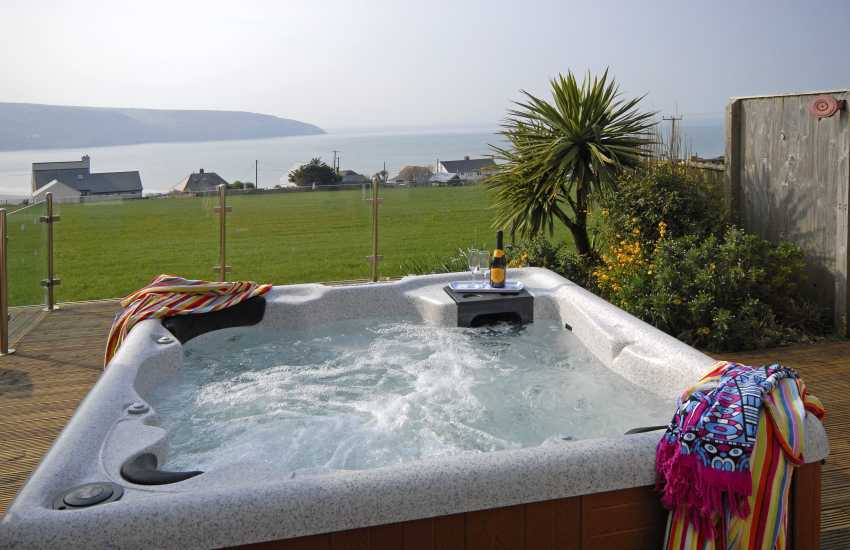 Gwbert holiday home with hot tub