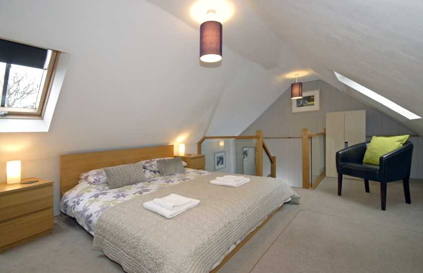 Kingsize first floor bedroom