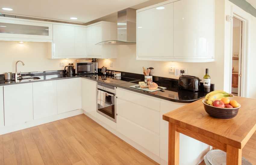 Usk Valley holiday cottage - kitchen