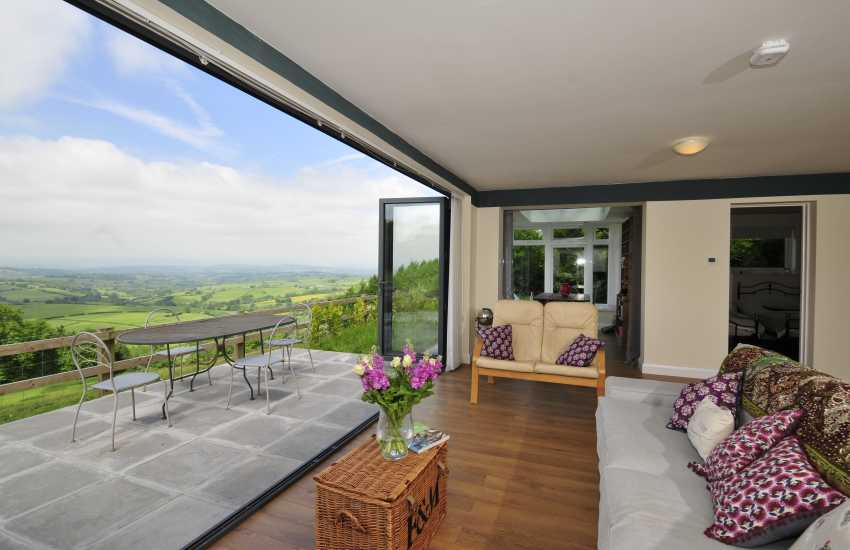 Tintern holiday cottage - lounge