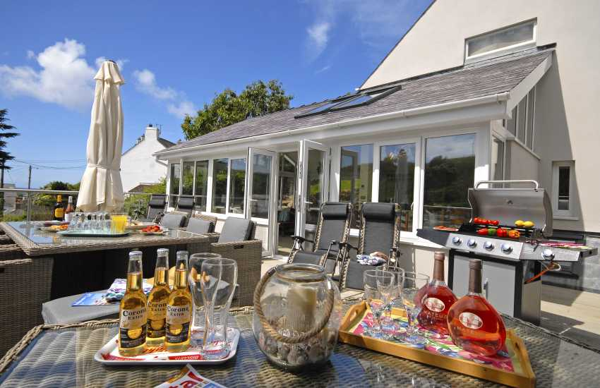 Large holiday home in Little Haven for 'family get togethers'
