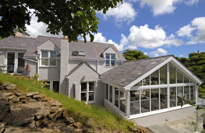 Pet friendly Little Haven luxury family holiday home on the coast