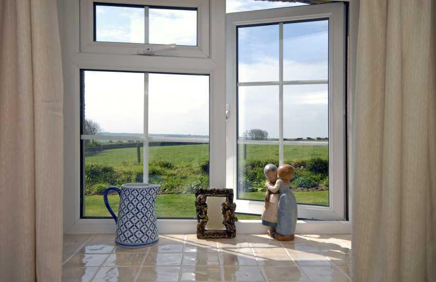 Romantic retreat Pembrokeshire coast sleeps 2