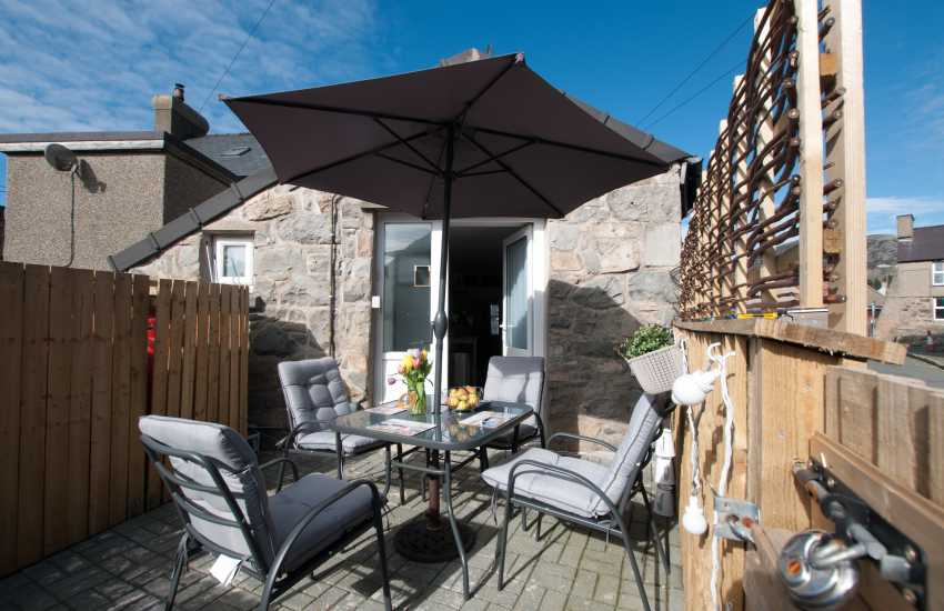 Holiday cottage wales - patio