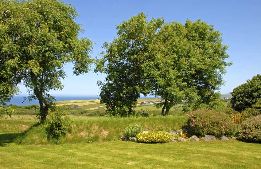 Shared gardens at Aberfelin Cottage with sea views
