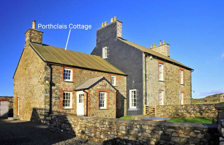 Restored Welsh farmhouse near St Davids and Whitesands Bay