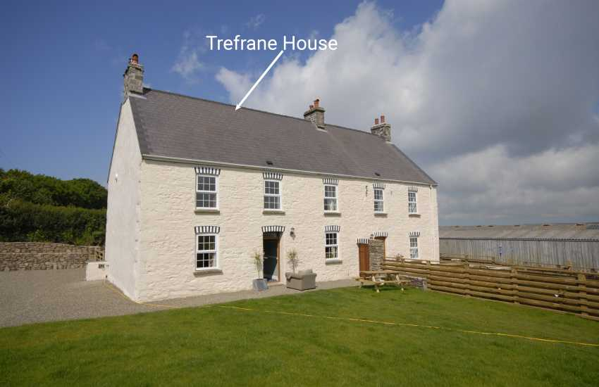Period holiday farmhouse in a rural setting just a short drive from Newgale Sands.