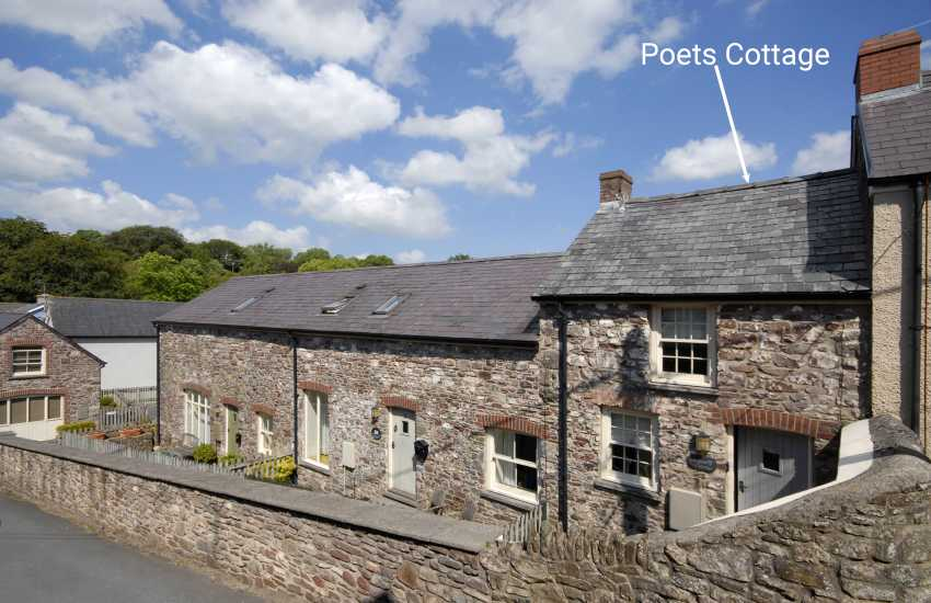 Poets Cottage is a romantic retreat tucked away at the end of a small terrace in Laugharne
