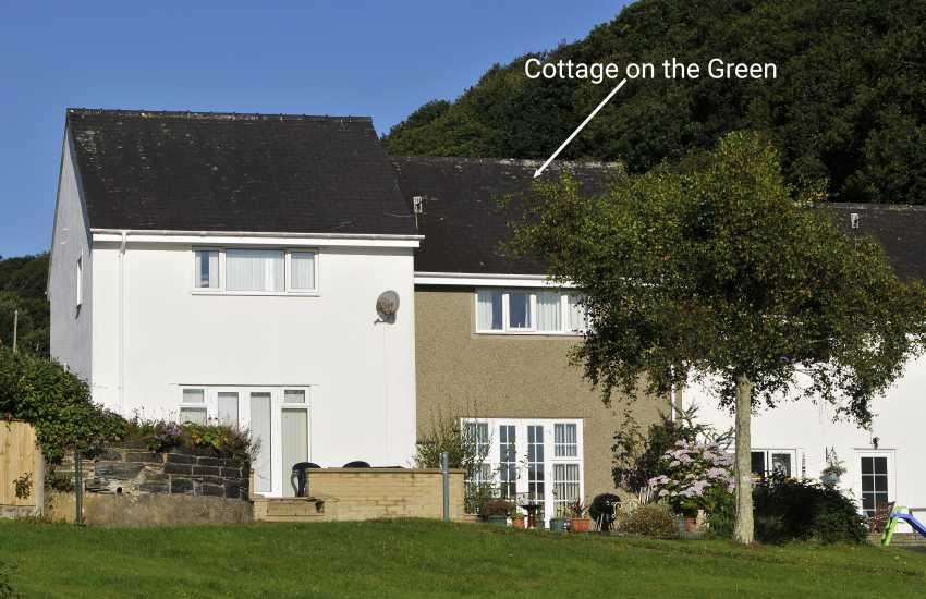 Borth y Gest holiday cottage