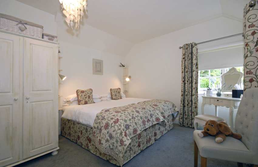 Triple - 4 guests, garden views - twin beds plus extra single with pull out bed