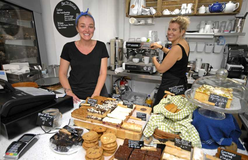 The Cornerhouse Cafe, Little Haven offers a choice of cakes, sandwiches, ice cream and the service is super friendly