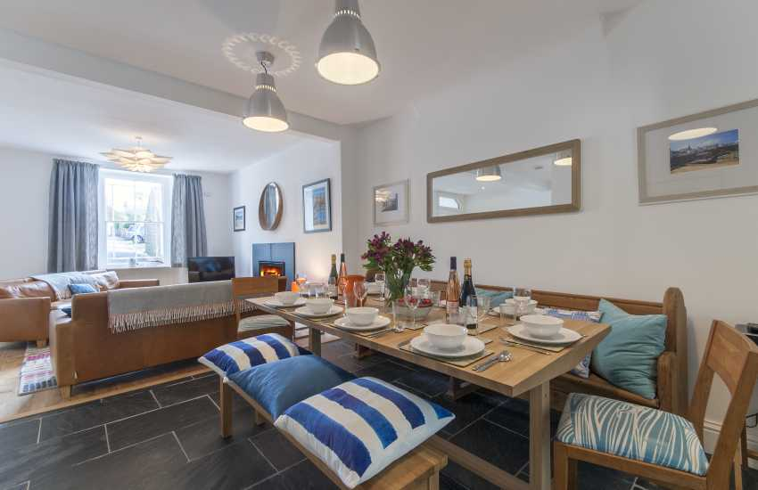 St Davids holiday cottage - dining