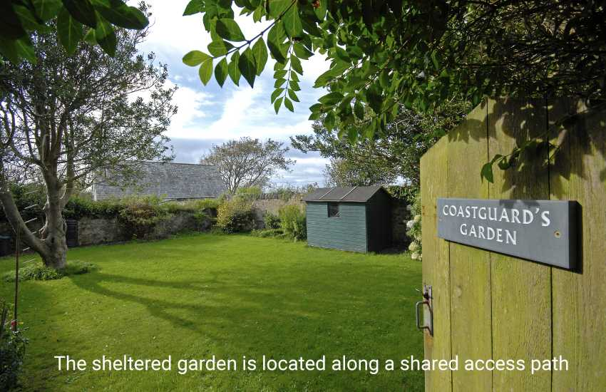 St Davids large holiday house - sleeps 10