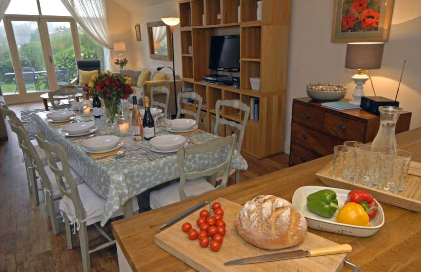 Carew Cottage, Manorbier - lovely home for family get togethers