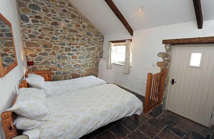 Cottage holiday Wales-twin bedroom
