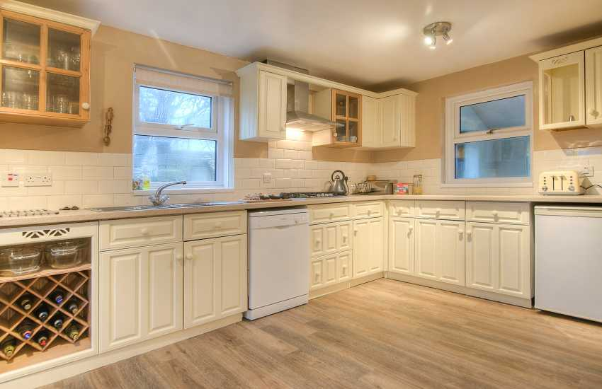 North Pembrokeshire self catering cottage - kitchen